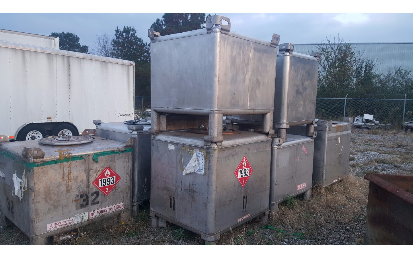 Stainless Steel Totes 300-383 Gallons
