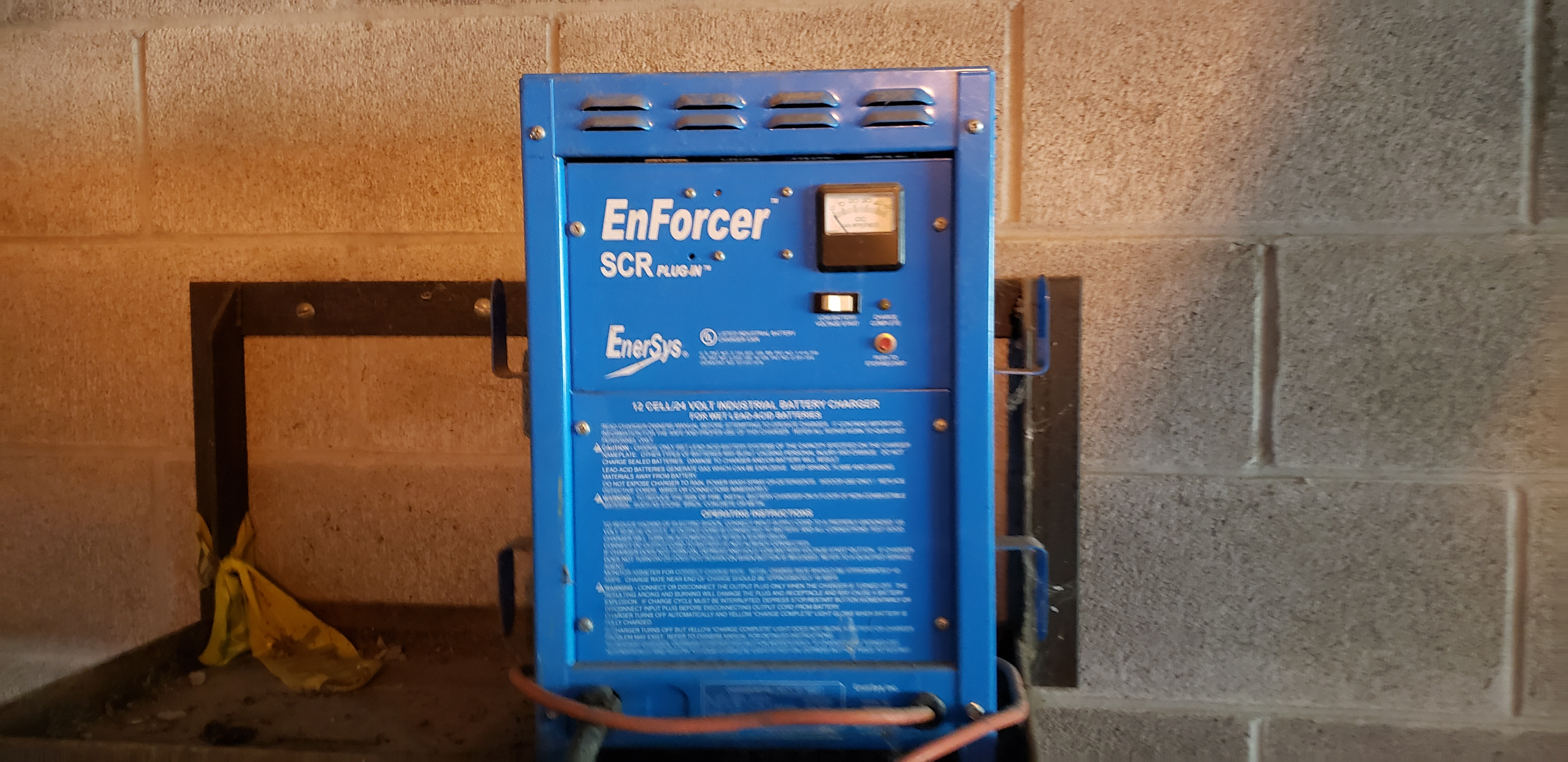 Enforcer SCR Plug In Battery Charger